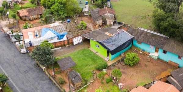 Casas danificadas pelas chuvas em Campo Largo