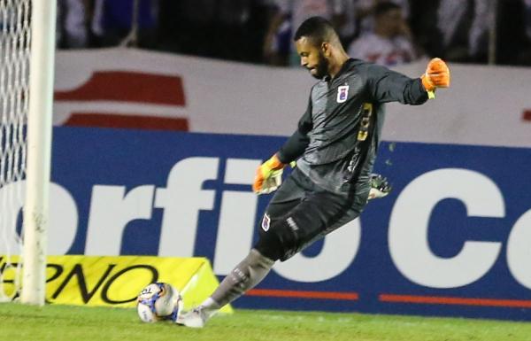 Thiago Rodrigues: goleiro fez duas grandes defesas contra o Cuiabá