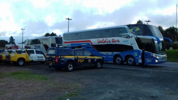 PRF abordou 118 ônibus com manifestantes nas imediações de Curitiba