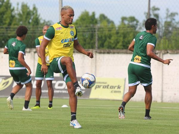 O volante João Vitor: titular no treinamento dessa terça-feira