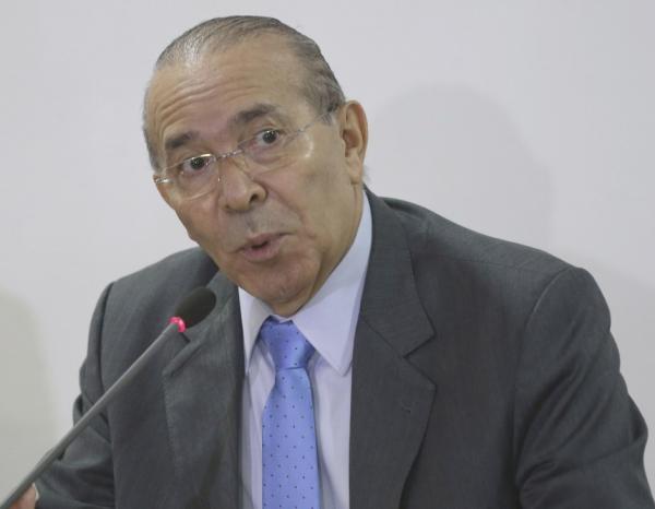 PSDB não rompeu com governo, diz ministro tucano Aloysio Nunes