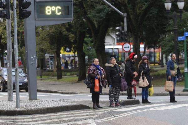 Frio em Curitiba: hora de tirar o agasalho do armário