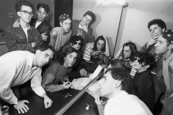 """Os Titãs, na época do lançamento de """"Õ Blésq Blom""""."""