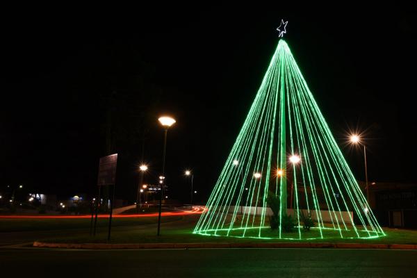 Prefeitura de Araucária inicia preparativos para a decoração luminosa de Natal - Bem Paraná