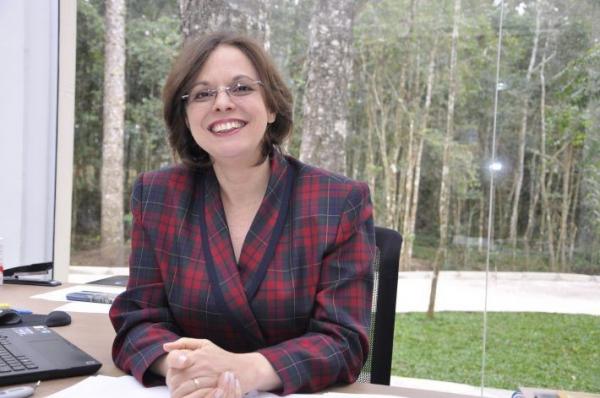 Eloisa Helena Orlandi- Presidente do SINCABIMA- Sindicato das Indústrias de Cacau, Balas, Massas e Conservas do Paraná e IBQP –Instituto Brasileiro de Qualidade e Produtividade