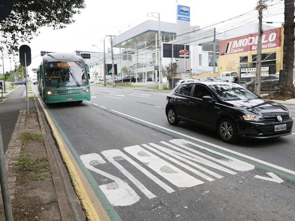 Nova faixa na Rua Mario Tourinho já rende multa