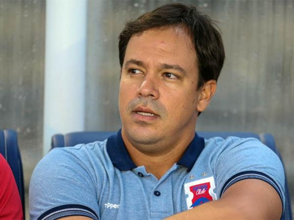 """Dado Cavalcanti: """"Dificilmente vamos ter mais posse de bola que o Athletico. Temos mais verticalidade"""""""