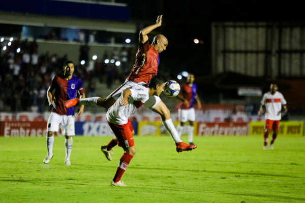Na última rodada, contra o CRB, a primeira vitória do Paraná na Segundona