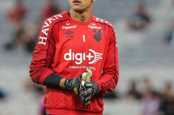 Marca da Digi+ na camisa do Athletico