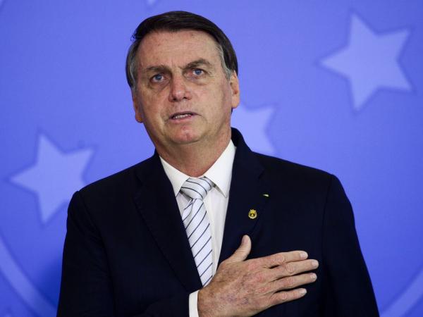 """Bolsonaro: """"Não falta sempre alguns maus brasileiros que querem roubar aquilo que é de mais sagrado que existe entre nós, a nossa liberdade"""""""