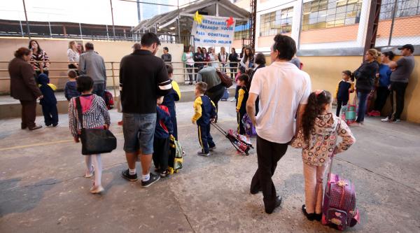 Escolas particulares também querem auxílio financeiro da prefeitura por causa de evasão