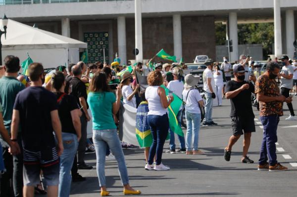 Curitiba tem edição da Marcha da Família Cristã pela Liberdade. Veja vídeo