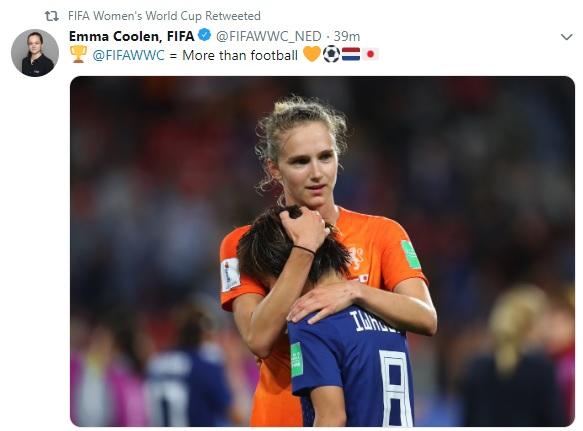 Jogadora da Holanda consola japonesa após a partida