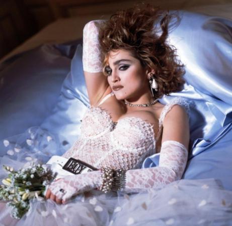 Madonna, em imagem de divulgação do álbum Like a Virgin, em 1984.