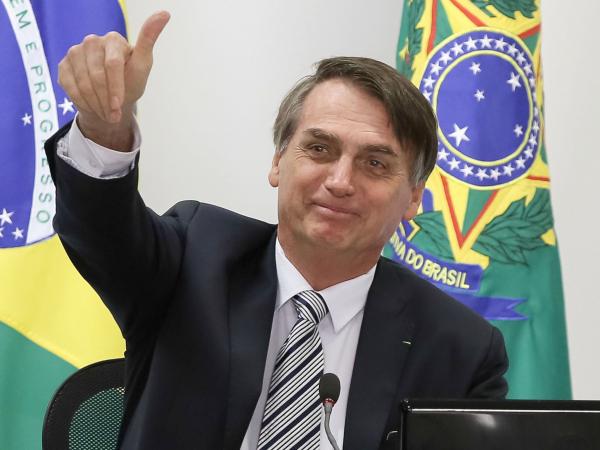 "Bolsonaro: ""Querem empurrar batata quente"""