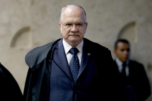 Primeiro pedido de impeachment é protocolado contra Michel Temer