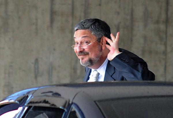 Palocci: ex-ministro fechou acordo de delação premiada com a PF
