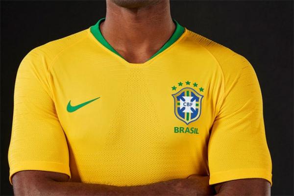 Brasileiros ironizam preço de R  449 pela camisa da seleção - Bem Paraná 5c69f1f223bfc