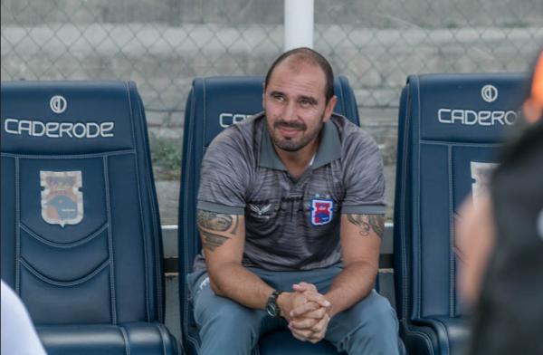 O técnico Allan Aal, do Paraná Clube