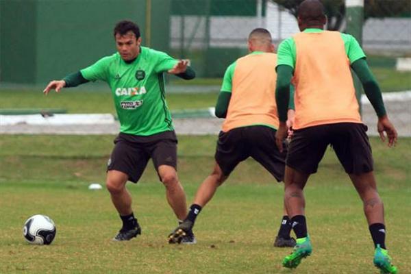 Atletiba termina sem gols, e Coritiba se sagra campeão paranaense