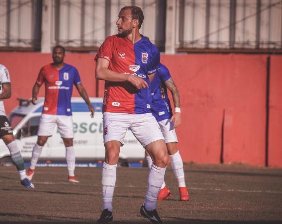 Bressan: dúvida para o jogo no Couto Pereira