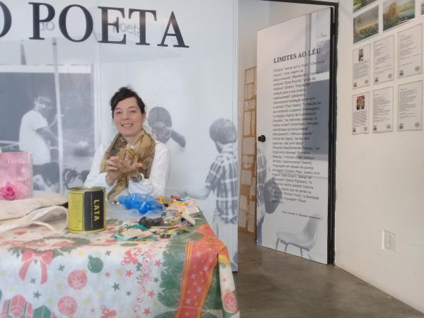 Kayanna na Feira do Poeta, onde lançou seu livro no domingo