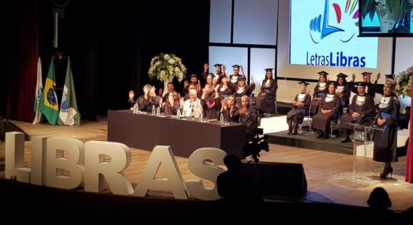 O curso de Letras Libras foi criado em 2015 na UFPR e é um dos poucos no Brasil ofertado em universidade pública