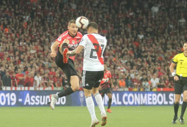 Marco Ruben enfrenta o River Plate
