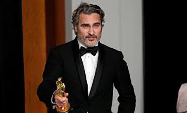 Joaquin Phoenix faz discurso contundente e critica exploração