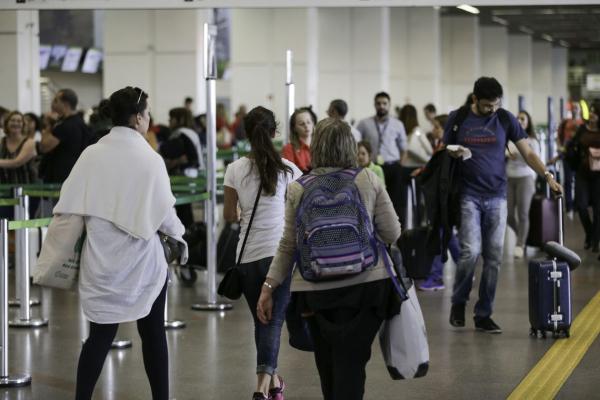 os 12 aeroportos, juntos, recebem 19,6 milhões de passageiros por ano, o que equivale a 9,5% do mercado nacional de aviação