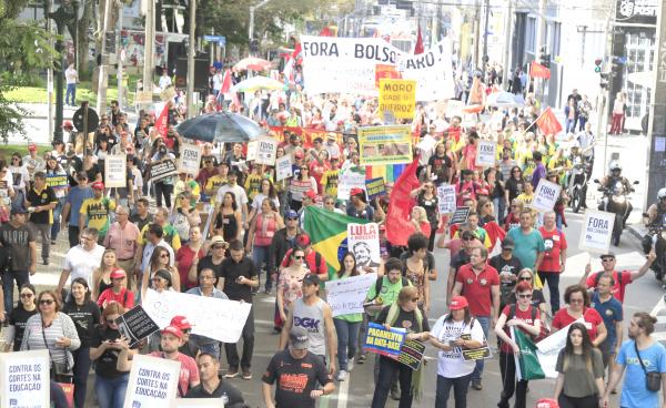Servidores: FES promete nova mobilização nesta terça-feira