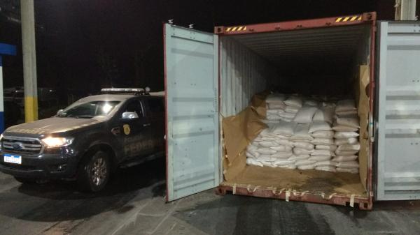 Droga estava em carga de gergelim no pátio da empresa