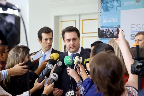 """Ratinho Jr: """"Assumimos o governo com 40% da frota da PM na oficina"""""""