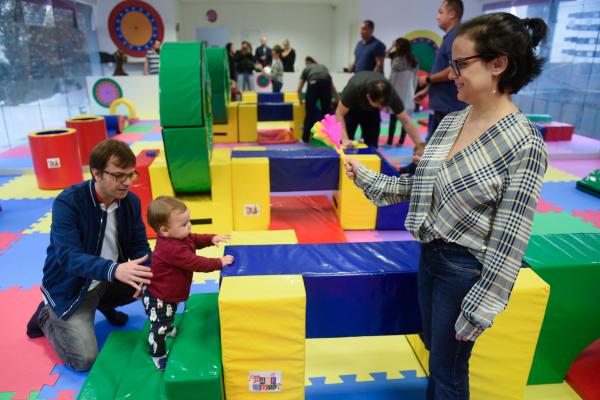 As aulas fortalecem os laços entre pais e filhos pequenos
