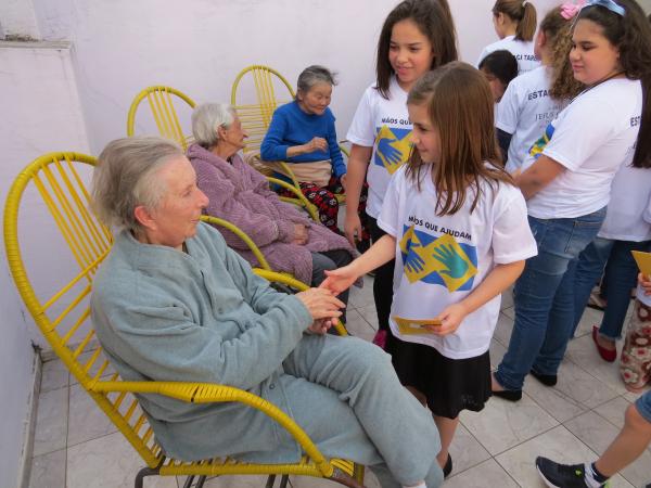 Encontro de gerações: 1.480 pessoas participaram da ação