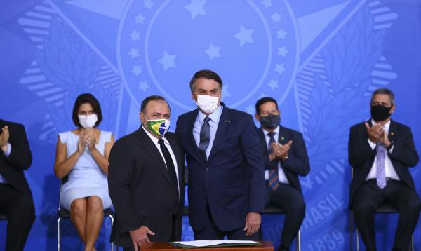 Pazuello e Bolsonaro