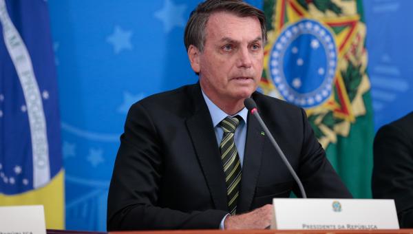 """Bolsonaro: segundo O Globo, presidente afirmou que precisava """"saber das coisas"""" que estavam ocorrendo na Polícia Federal do Rio e cita que investigações em andamento não poderiam """"prejudicar a minha família"""""""