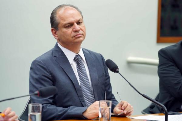 Ricardo Barros diz que vai processar senadores que votarem a favor de relatório de Calheiros