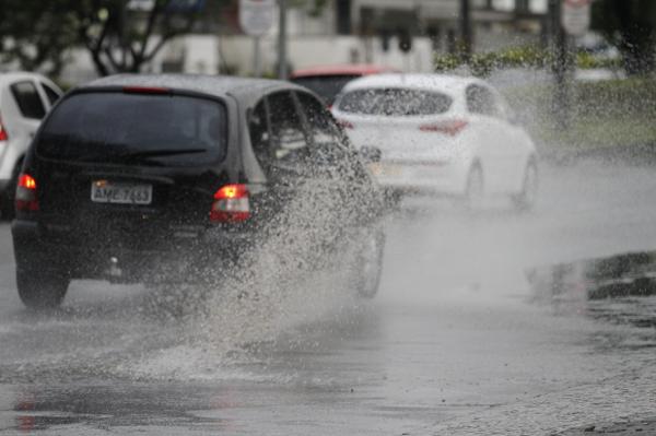 Choveu praticamente o dia todo em Curitiba, ontem: alívio na estiagem