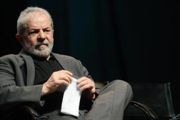 Moro nega pedido para Lula convocar mais testemunhas no caso tríplex