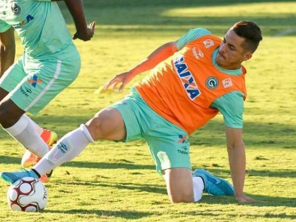 O volante Elyeser: sete jogos pelo Paraná Clube em 2014