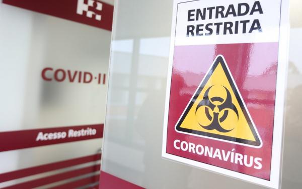 Em quatro semanas, casos novos de Covid-19 caem pela metade em Curitiba