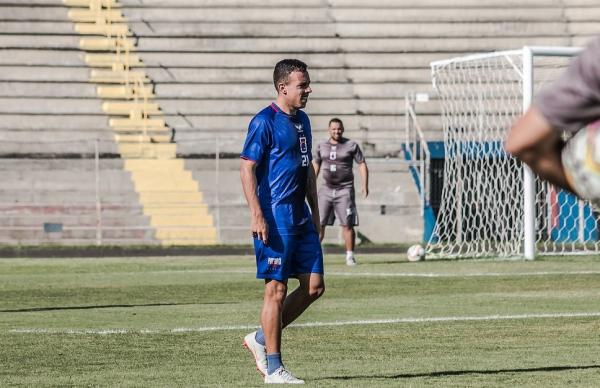 Andrey: lesão na clavícula