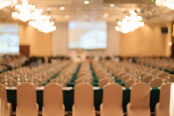 Eventos e cerimoniais exigem inovação, planejamento e coordenação.