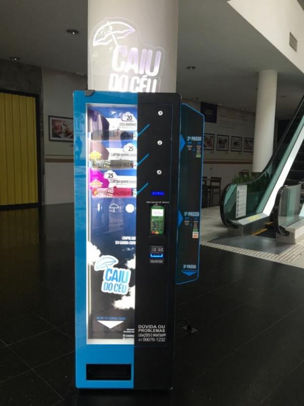 Perfeita para o clima de Curitiba, shopping recebe máquina de guarda-chuvas  - Bem Paraná