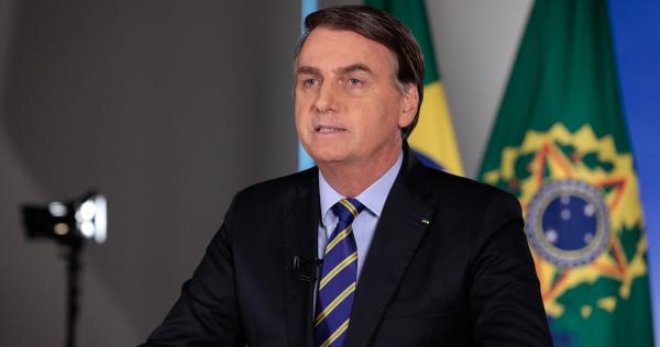 """Bolsonaro: """"Os mais humildes não podem deixar de se locomover para buscar o seu pão de cada dia"""""""
