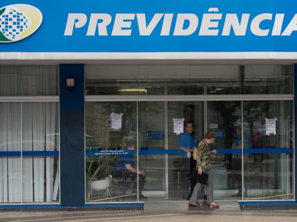 INSS: após ter a aposentadoria por invalidez cessada, uma mulher de 76 anos conseguiu restabelecer a renda mensal de R$ 5.100 e ainda deverá receber atrasados de R$ 178,7 mil