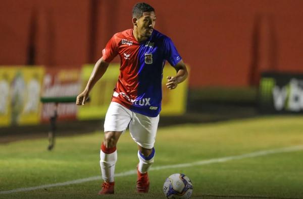 Léo Príncipe: ele substitui Éder Sciola contra o Vitória