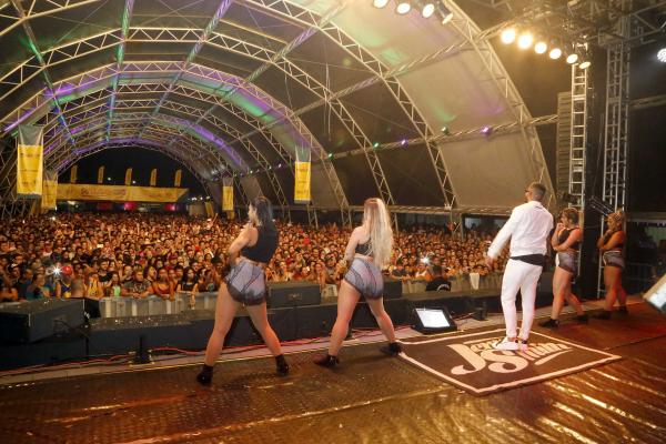 10/01/2020 Guaratuba, no Parque de Eventos, o cantor de funk Jerry Smith, que está entre os artistas mais tocados nas rádios do País no ano passado.