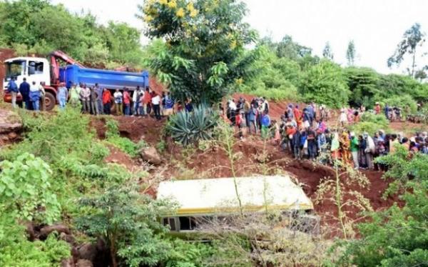 Acidente com minibus escolar mata 35 pessoas na Tanzânia